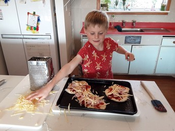 Luke (2) Pizza making