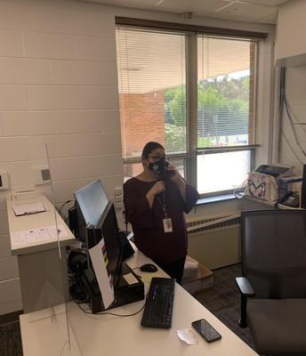 Mrs. Campos is always flexible and helping in so many ways! / ¡La Sra. Campos siempre es flexible y ayuda de muchas maneras!