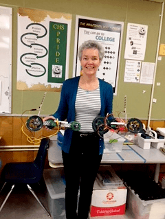 Tina Edwards is a beloved Mathematics and Engineering teacher at Concord High School, and is our #MDUSDProud Spotlight!