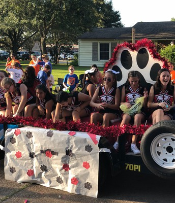 ICCS Cheerleaders Participate in SLC Homecoming Festivities
