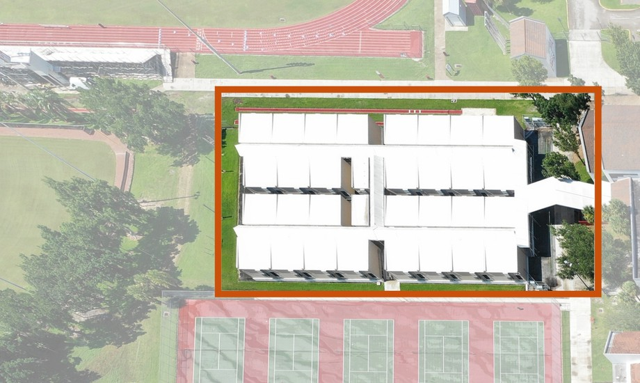 Aerial view of the temporary modular buildings used to accommodate students and teachers during the construction of the new building