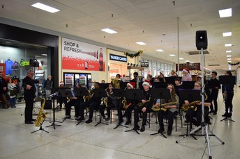 High School Band entertains Holiday Shoppers