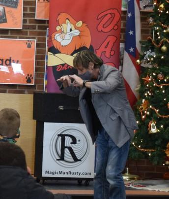 Magician /Comedian performs for DARE Graduation