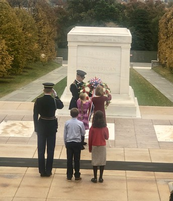 Students Present Pleasant Union Wreath to Tomb of Unknown Soldier