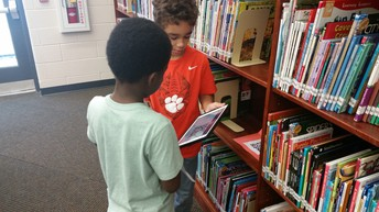 2nd Graders on the Nonfiction Text Feature Scavenger Hunt