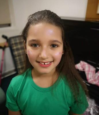 Make up on!