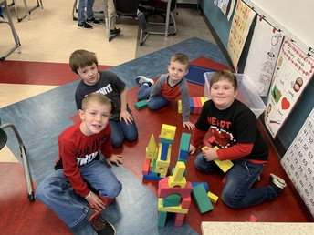 Mrs. Wise's Lego, Lincoln Log, Kynex Tribe