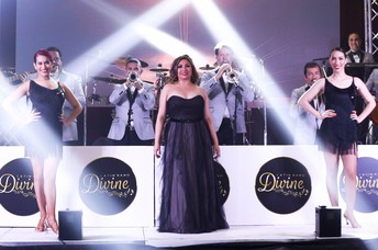 Divine Grupo Musical Latin Band