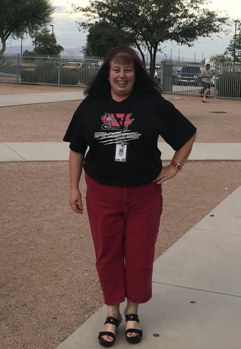 Meet Ms. Munoz,                                                       CHS SO/JR English Teacher