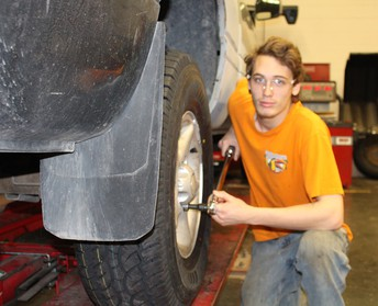 Student SpotLight from Auto Tech II:  Andrew Hess
