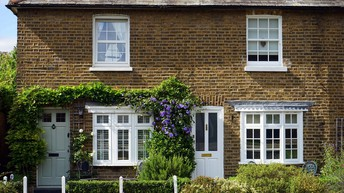 UK House Prices Fall for Second Month