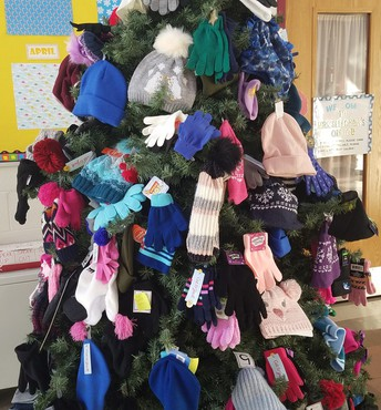 Hats, Mittens & Scarves Tree