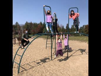 5TH Graders enjoying some fun in the sun!