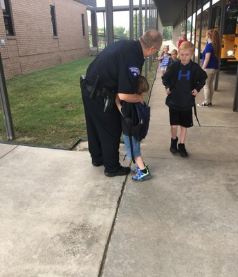 Officer Mahan at Alma Primary School