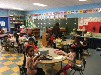 Sra. Hall Kindergarten Salon # 109