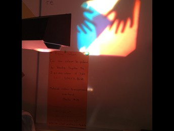 4P is exploring with light!