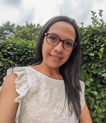 Karina Melissa Flores - Sagrado Corazon Glyndon