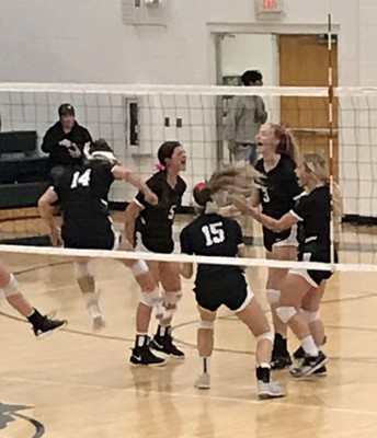 Volleyball Rolling!
