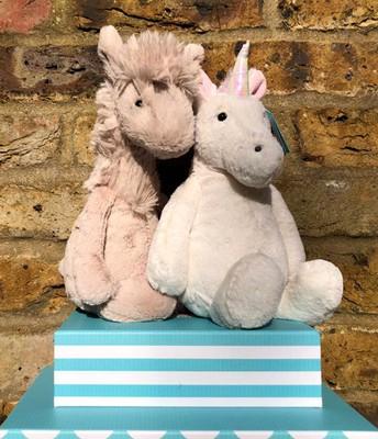 Medium Llama & Medium Unicorn