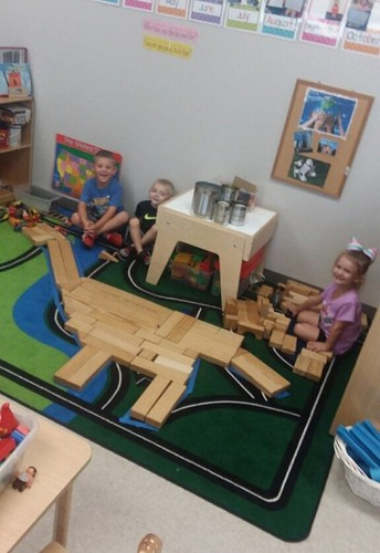 LITTLE CARDINALS LEARN ABOUT BIG DINOSAURS