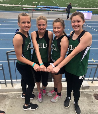 Girls' 4 x 100 Team