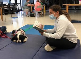 Reading Helps Murfee Relax