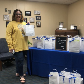 PTA Makes Spring Hill Staff's Day