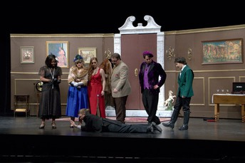 Clue On Stage Image 2