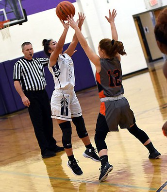 Lady Warrrior Basketball off to a good start