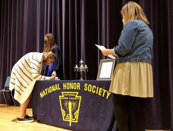 MHS Holds National Honor Society Induction