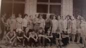 Стройотряд при постройке новой школы 1972 год