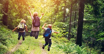 10 Screen-free activities for kids to do over spring break, indoors and out
