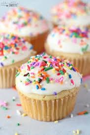 CUPCAKE BAKE SALE!