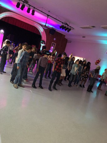 "Junior High ""Last Dance"" of the 2018-2019 School Year"