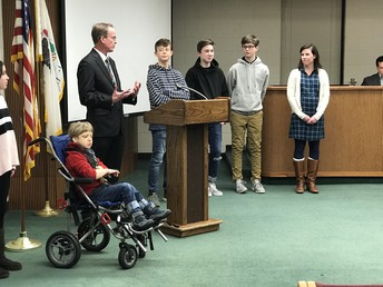 Carl Sandburg Peer Mentors lead Pledge of Allegiance