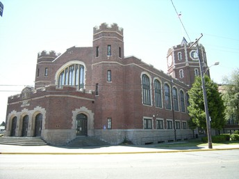 Image of Lincoln High School's Drost Auditorium from 37th and G St.