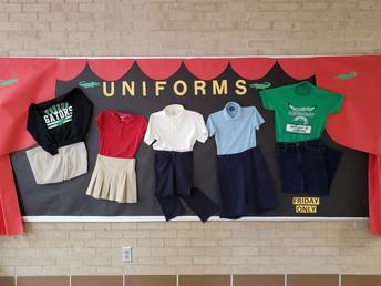 foto de 5 uniformes