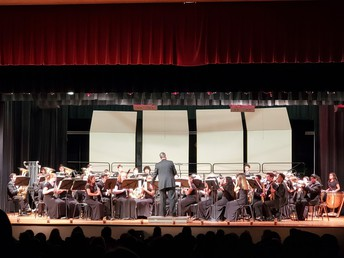 GHS Band played a string of Christmas favorites!