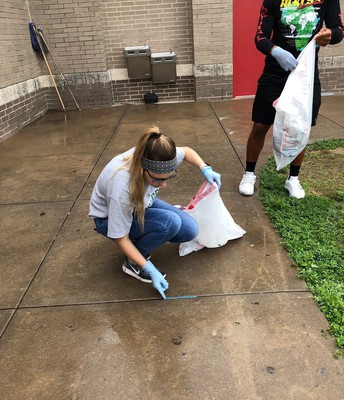 Thank you Travis Stu Co for helping clean up the grounds around our campus this past Saturday!  What a great example of Servant Leadership!
