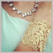 Chantilly Lace cuff