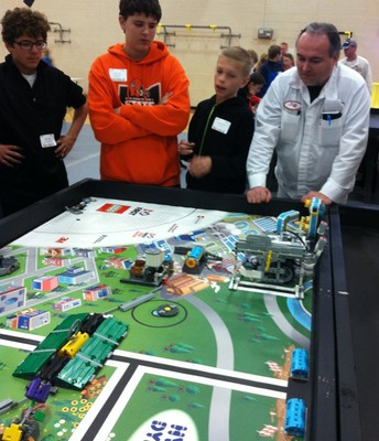 Honda Employee Coaching Lego Team
