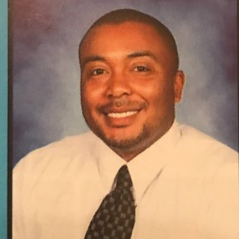 Principal Garrett|Directora Garrett