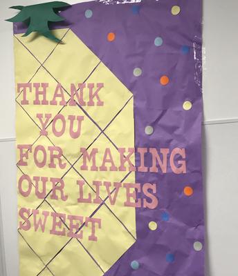¡Gracias a todos nuestros voluntarios, familias y padres que hicieron nuestra reciente Semana de Apreciación del Personal tan especial!