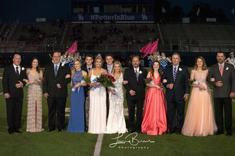Homecoming Queen, Raygan Barnhill, and Her Court