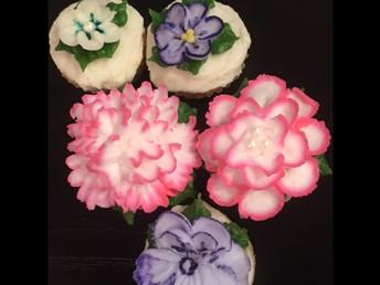 EMBELLISHED FLOWER CUPCAKES