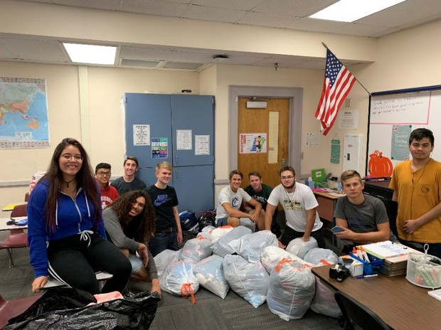 Chandler High National Honor Society collects clothes for Clothes Cabin