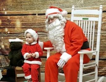"""""""Santa! I Know him!"""""""