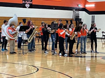 Bennett Band playing for our fans!