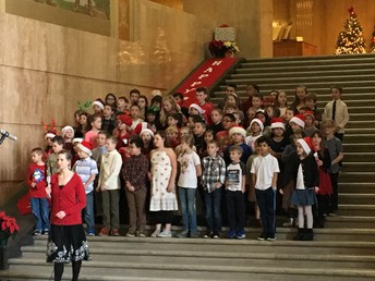 3rd Graders Singing at the Capital