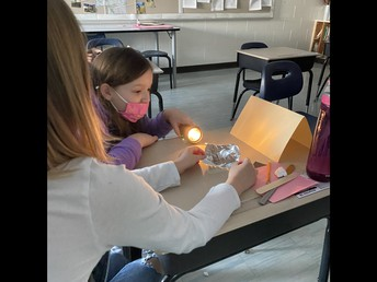 Experimenting with light in 3/4P!